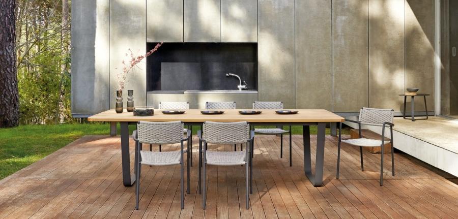 Manutti Air table