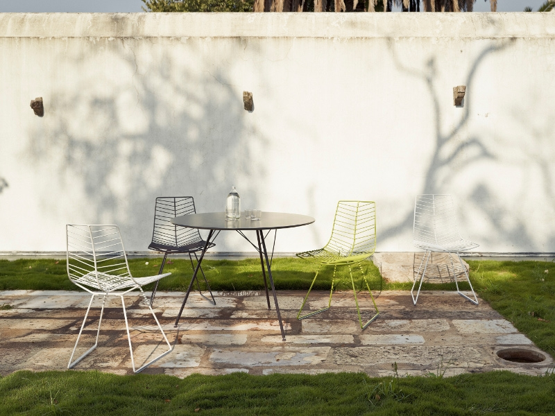 Arper Leaf seating collection