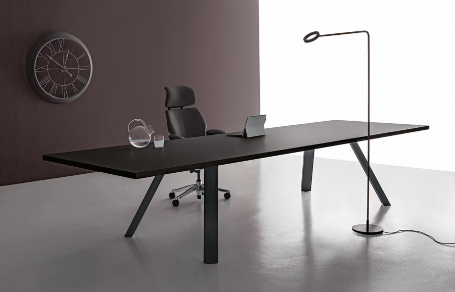 DVO Tokio executive tables