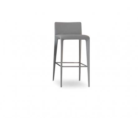 Bonaldo Filly too stool